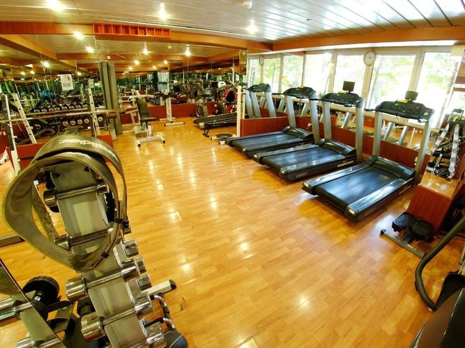Fitnessstudio arabian courtyard hotel & spa bur dubai